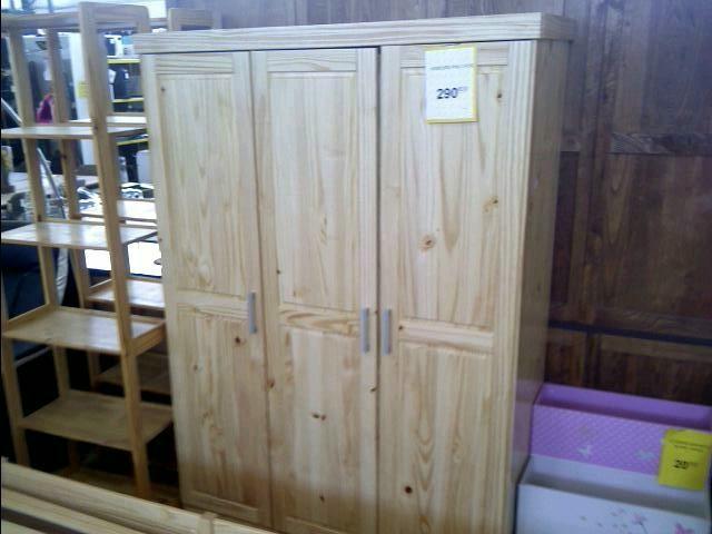 armoire pin 3 portes d 39 occasion. Black Bedroom Furniture Sets. Home Design Ideas
