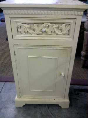 meuble blanc 1 porte 1 tiroir d 39 occasion. Black Bedroom Furniture Sets. Home Design Ideas