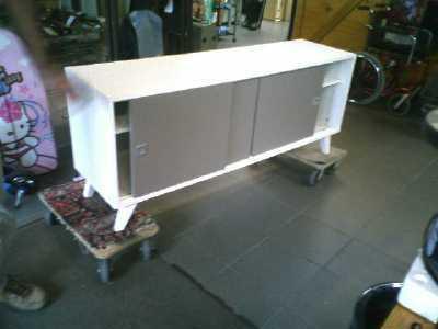 meuble bas long blanc laque 2p beige d 39 occasion. Black Bedroom Furniture Sets. Home Design Ideas