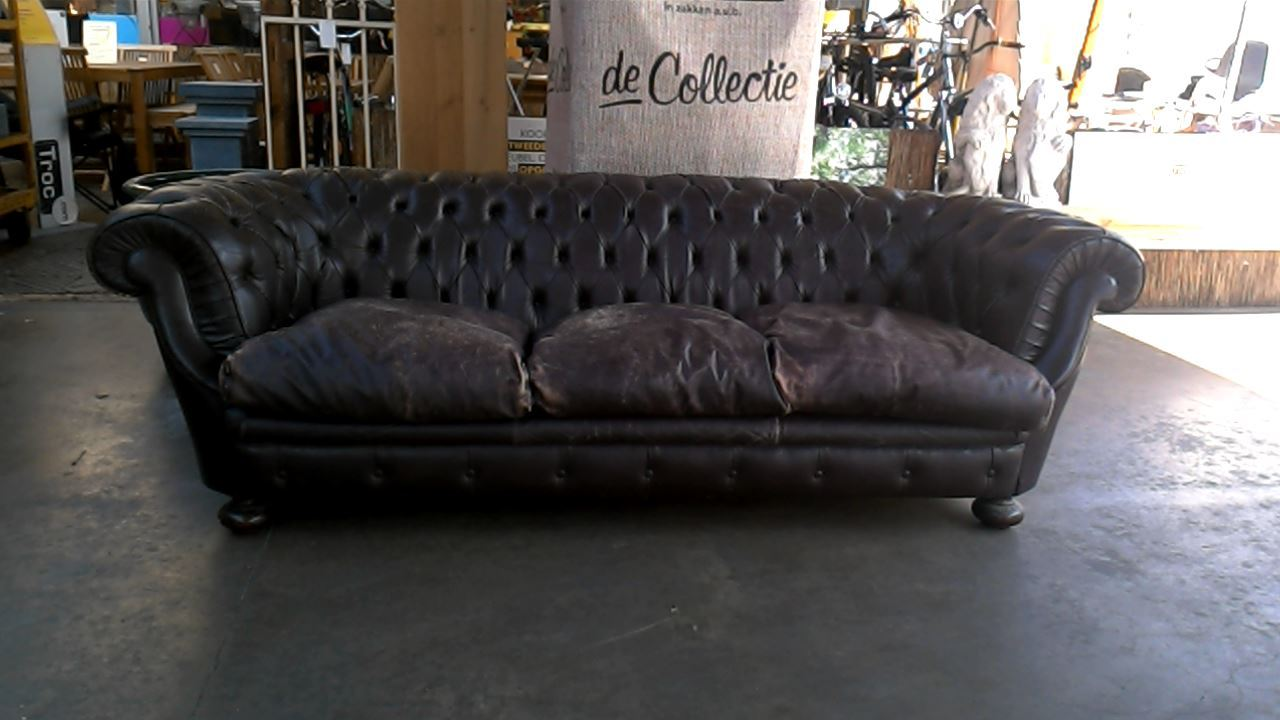 fauteuil chesterfield d 39 occasion. Black Bedroom Furniture Sets. Home Design Ideas