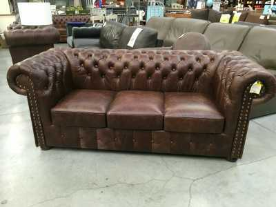 fauteuil chesterfield vintage cuir d 39 occasion. Black Bedroom Furniture Sets. Home Design Ideas